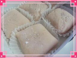 160505いちごミルク餅.jpg